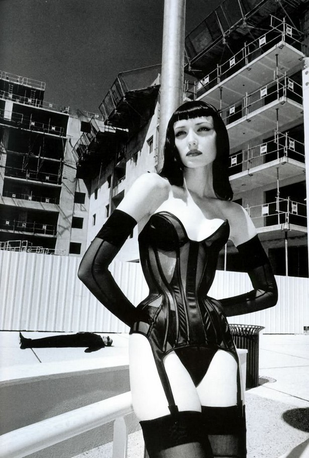 Photography - The Powerful Images from Helmut Newton (3) helmut newton Photography – The Powerful Images from Helmut Newton Photography The Powerful Images from Helmut Newton 3