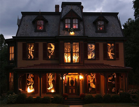 9  10 Craziest Halloween Decorated Houses Across The World 91