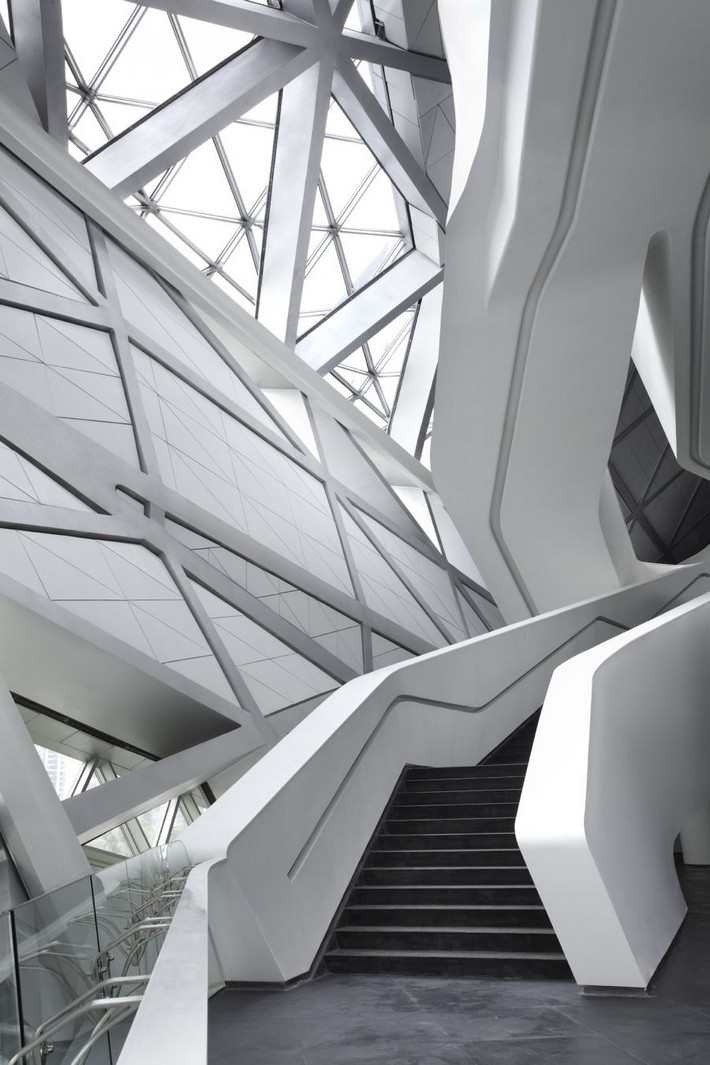 10 inspirational and architectural lessons from zaha hadid - What degree do you need to be an interior designer ...