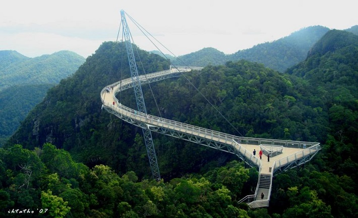 """most beautiful bridges in the world"" bridges 10 of the World's Most Beautiful and Unique Bridges Langkawi Sky Bridge Malaysia"