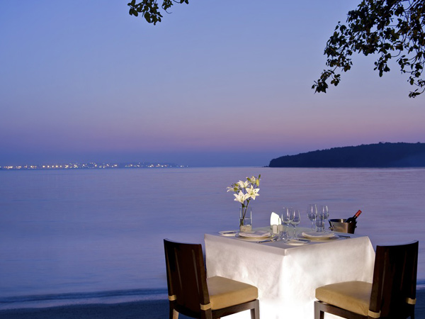 1  The Most Luxurious Valentine's Day Experiences You Can Pick From 1