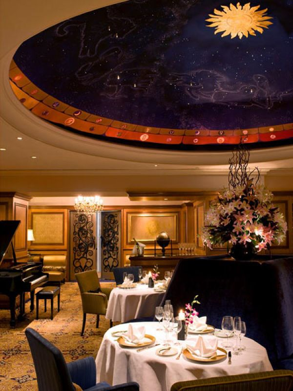 2  The Most Luxurious Valentine's Day Experiences You Can Pick From 2