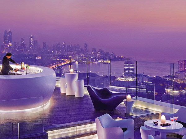 3  The Most Luxurious Valentine's Day Experiences You Can Pick From 3
