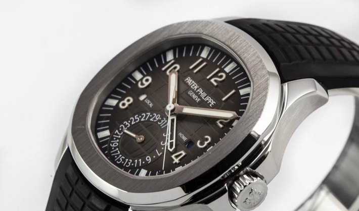 www.watchuwant.com  John Mayer and his love for watches patek philippe jumbo aquanaut travel time gmt ref5164a001 ss ardoise brown dial 22269 0922