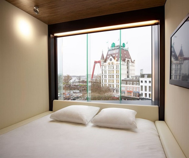 """""""Do you want to spend a luxurious and affordable vacation?""""  Do you want to spend a luxurious and affordable vacation in a trendy hotel? 6329694 24 z"""