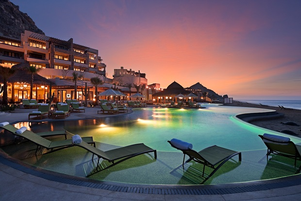 Fancy a swim? The most luxurious and tempting swimming pools  Fancy a swim? Be amazed with these luxurious and tempting swimming pools Hotel Pool To Resort