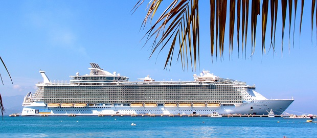 One of the largest ships on the world: Allure of the Seas  Visit the world's largest cruise ship through Google Street View Maps 9f450fb823da47b2c8597547c2caef49