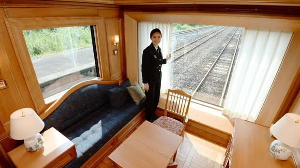 Luxury On The Rails With Japan's Seven Stars in Kyushu  Luxury On The Rails With Japan's Seven Stars in Kyushu nb20131016a5b 870x489
