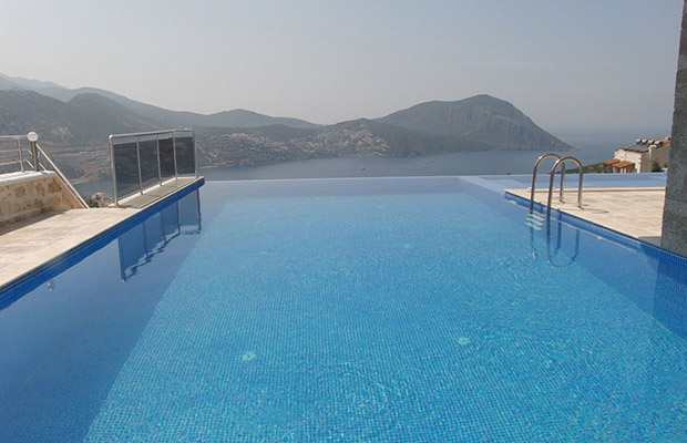 1  The 10 best infinity pools in the world!  113