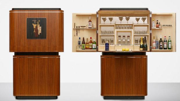 modern bar cabinets for your interior design projects boca do lobo 39 s inspirational world. Black Bedroom Furniture Sets. Home Design Ideas