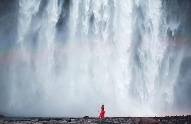 Elizabeth Gadd Takes Amazing Self-Portraits in Remote Landscapes