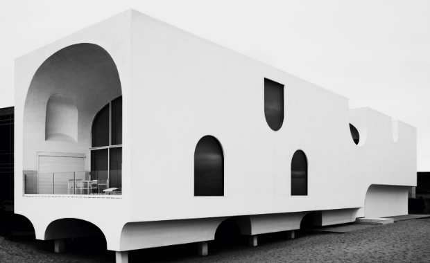 Master artists hand out the design awards 2015 boca do for Award winning house plans 2015