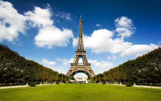 National Geographic's best Valentine's Day retreats  National Geographic's best Valentine's Day retreats Eiffel Tower Paris France