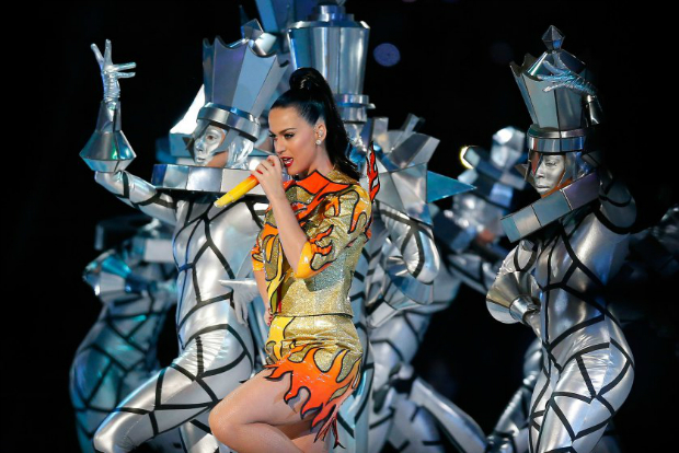 The Best Moments From the Super Bowl 2015 Halftime Show  The Best Moments from the Super Bowl 2015 halftime show katy perry superbowl halftime 04