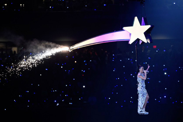 The Best Moments From the Super Bowl 2015 Halftime Show  The Best Moments from the Super Bowl 2015 halftime show katy perry superbowl halftime 11
