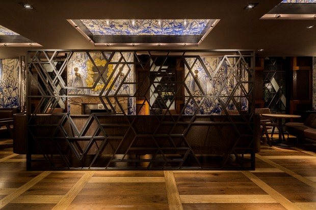 autoban-integrates-abstracted-geometric-patterns-at-dukerice-restaurant (6)