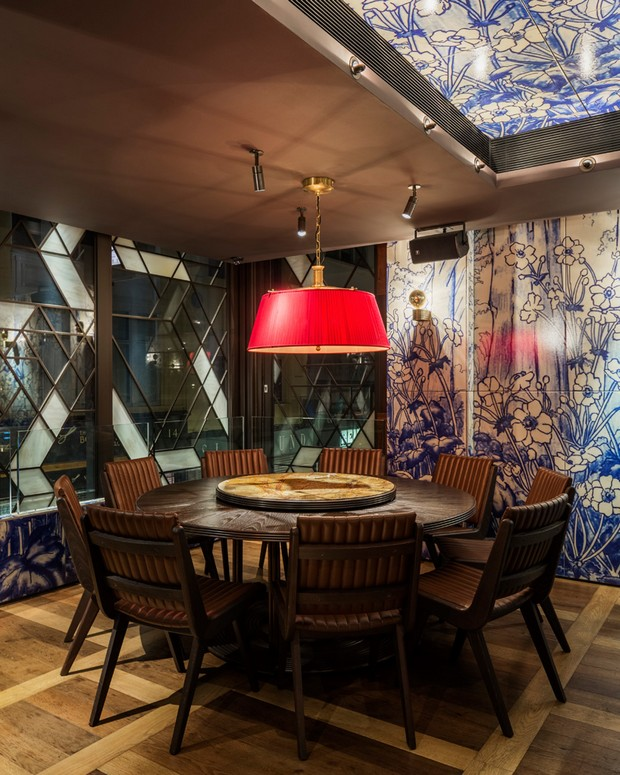 autoban-integrates-abstracted-geometric-patterns-at-dukerice-restaurant (7)
