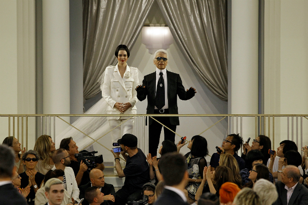 Karl Lagerfeld Builds Casino For Chanel Couture Show  Karl Lagerfeld Builds Casino For Chanel Couture Show karl lagerfeld kendall jenner