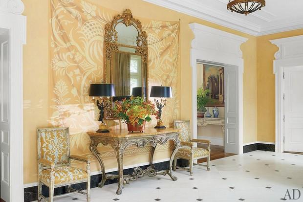 Bunny Williams Decorates Handsome Georgian Style House 1