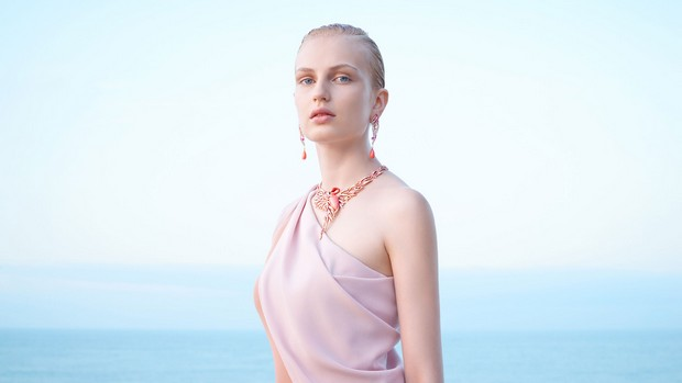 new-handmade-jewelry-collection-by-van-cleef-arpels (4)  New Handmade Jewelry Collection by Van Cleef & Arpels new handmade jewelry collection by van cleef arpels 4