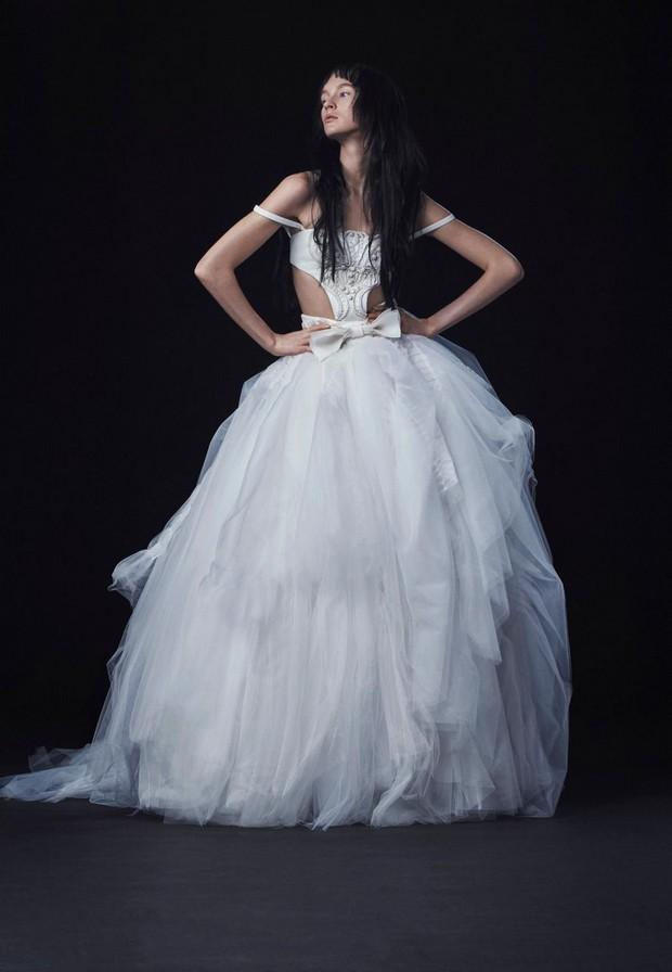 sexy-fall-bridal-collection-by-vera-wang (1)
