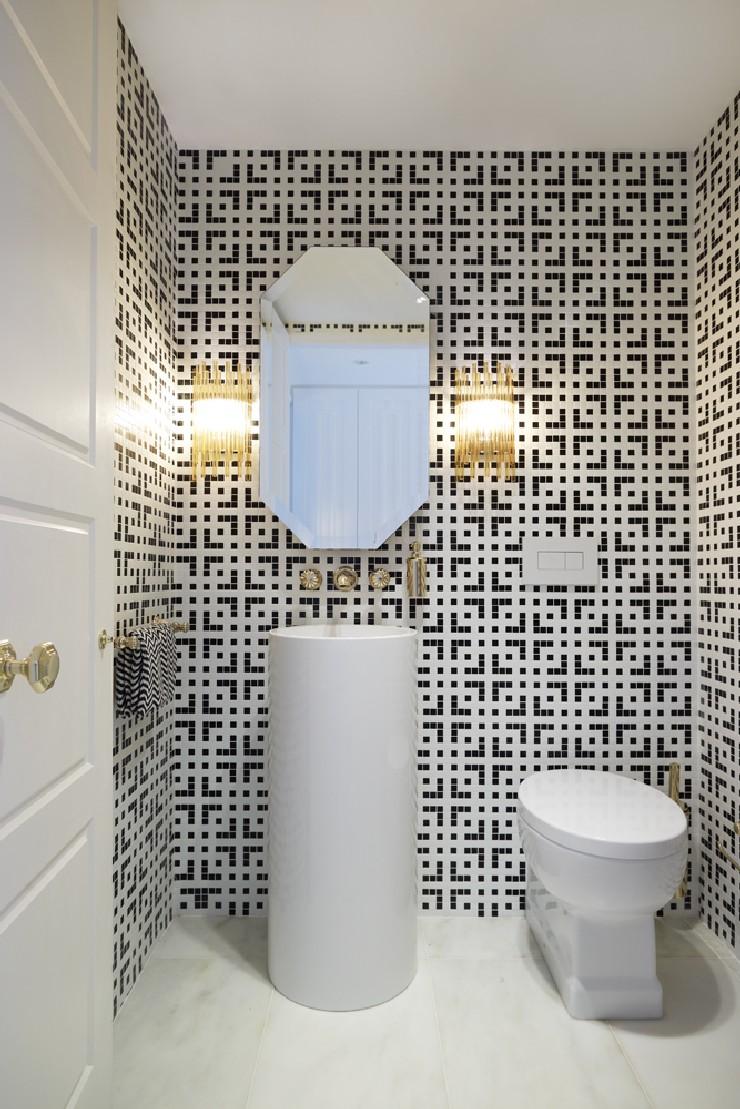 Luxury elegant mid century modern bathroom design Greg Natale 25 Best Interior Design Projects by Greg Natale Greg Natale Luxury elegant mid century modern bathroom design