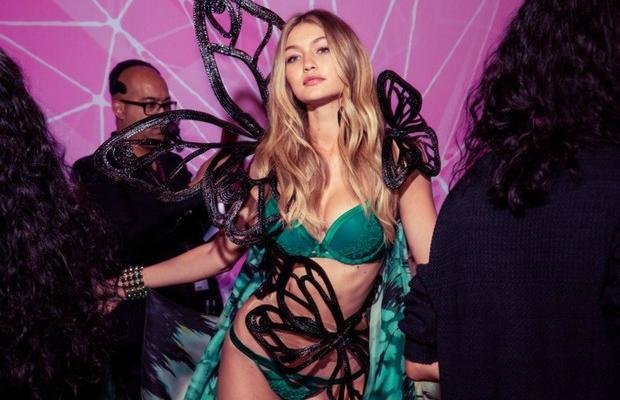 Victoria's Secret 2015 Fashion Show - See what's hot!