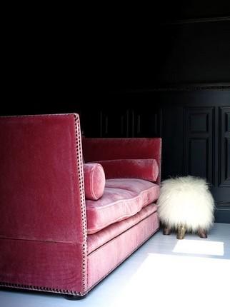 Modern Living Rooms (13) velvet sofas 20 Velvet Sofas for Modern Living Rooms 20 Velvet Sofas for Modern Living Rooms 13