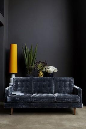 Modern Living Rooms (17) velvet sofas 20 Velvet Sofas for Modern Living Rooms 20 Velvet Sofas for Modern Living Rooms 17