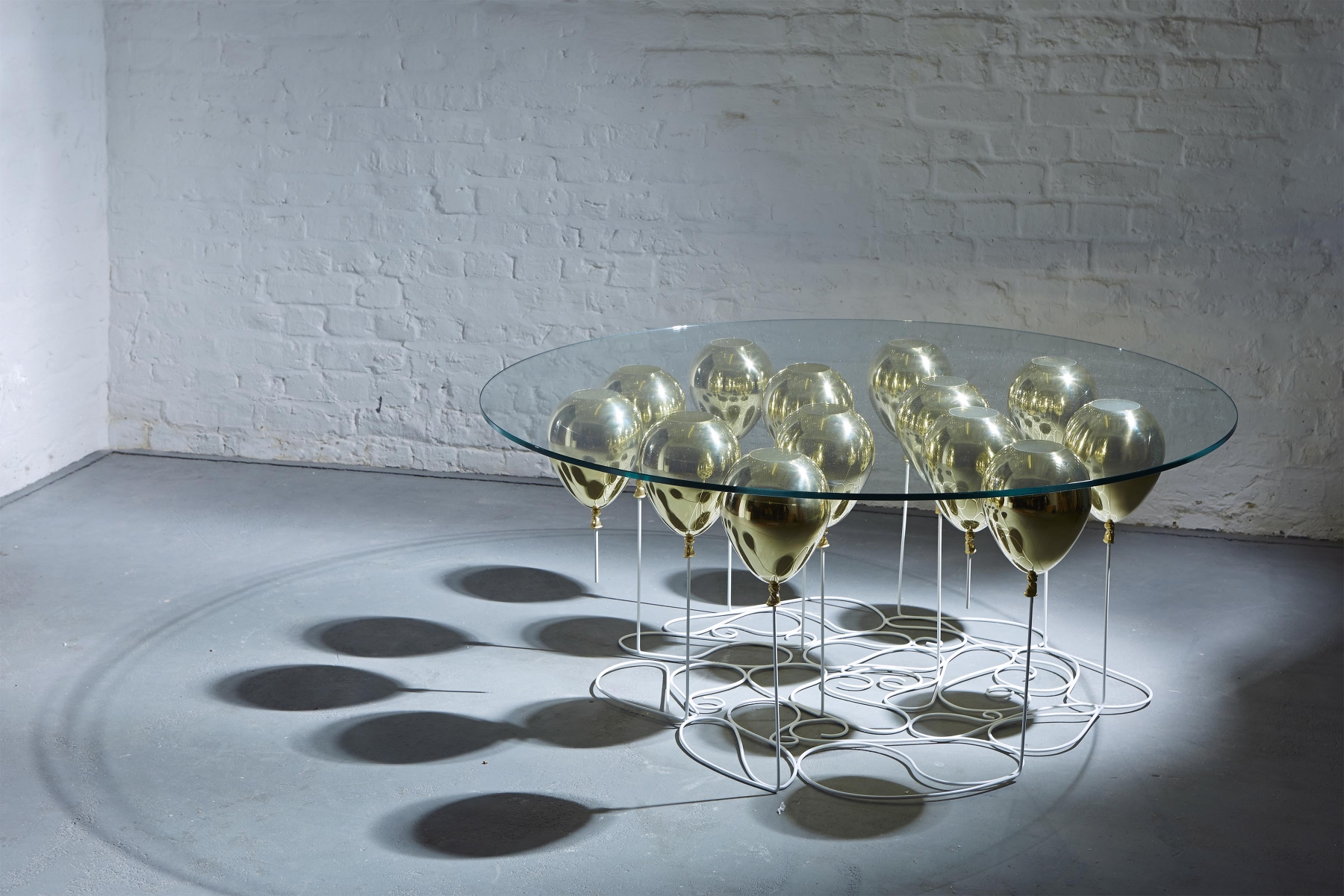 up ballon coffee table designs Out Of Ordinary Must-Have Coffee Table Designs 10 Uniquely Beautiful Coffee Tables 8