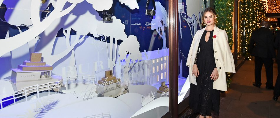 harrods-teams-up-with-burberry-for-2016-holiday-windows-7