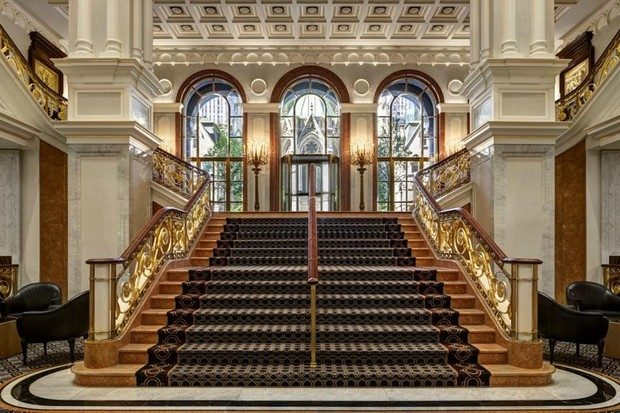 The Best Of Luxury Hotels to Celebrate The Holiday Season luxury hotels The Best Of Luxury Hotels to Celebrate The Holiday Season The Best Of Luxury Hotels to Celebrate Christmas 3 620x413