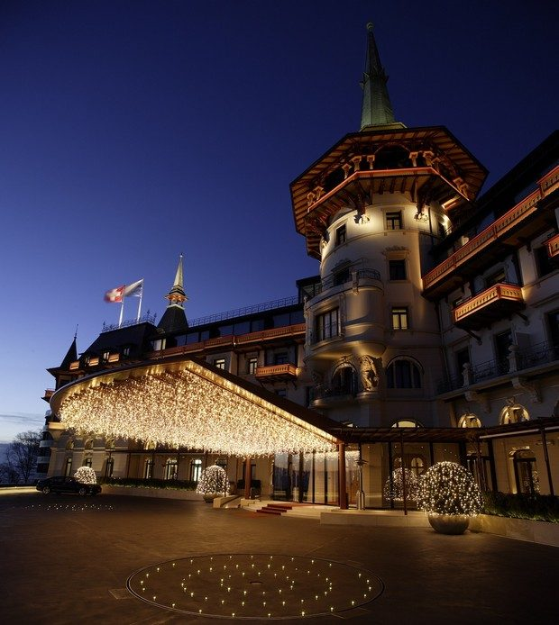 The Best Of Luxury Hotels to Celebrate The Holiday Season luxury hotels The Best Of Luxury Hotels to Celebrate The Holiday Season The Best Of Luxury Hotels to Celebrate Christmas 7 620x694