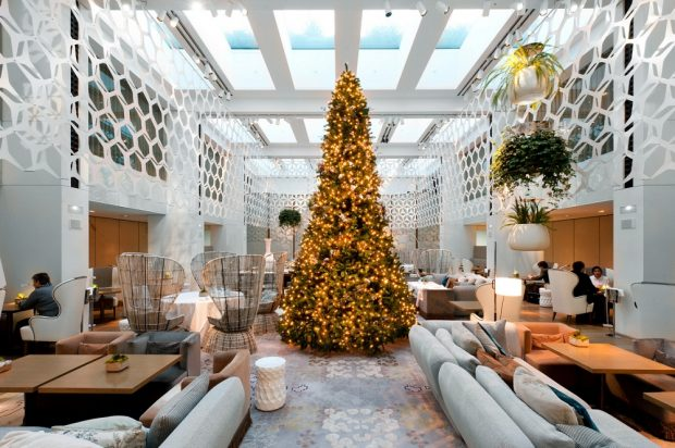 the-best-of-luxury-hotels-to-celebrate-christmas-8 luxury hotels The Best Of Luxury Hotels to Celebrate The Holiday Season The Best Of Luxury Hotels to Celebrate Christmas 8 620x412
