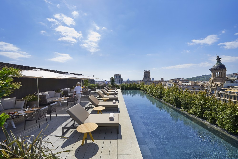 hospitality Top Hospitality Design Projects To See In 2017 barcelona 2014 fine dining terrat 03