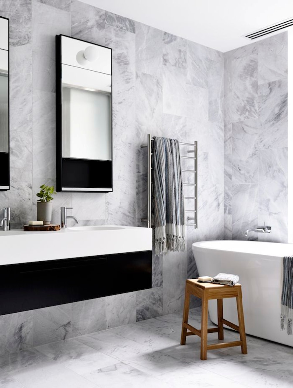 black white and silver bathroom ideas get inspired with 25 black and white bathroom design ideas 4974