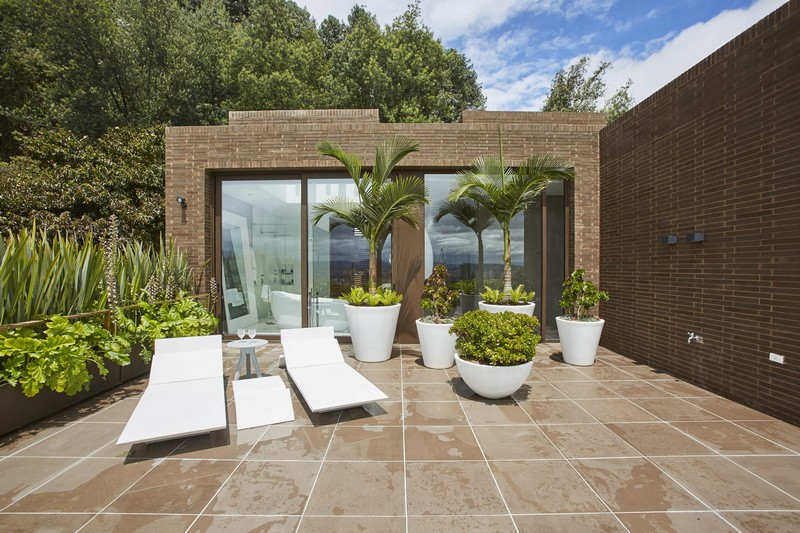 contemporary house Contemporary House in Bogota Merges Between Art and Nature modern design 7
