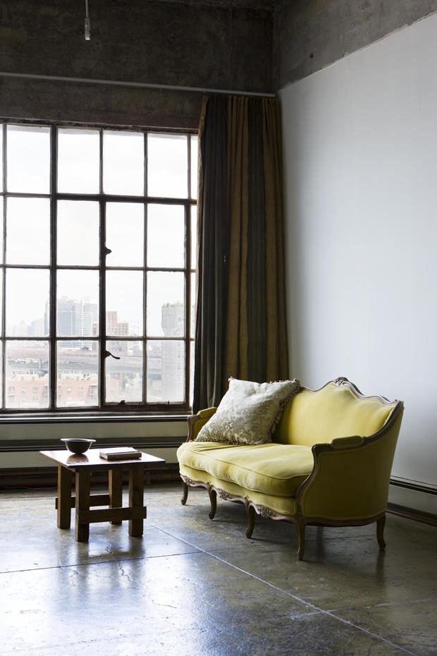 velvet Trends 2018: How To Use Velvet In Your Home Decoration velvet furniture