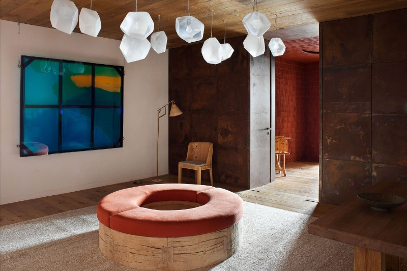 pierre yovanovitch Avant-Garde Meets Rustic in Pierre Yovanovitch's Chalet Avant Garde meets the Rustic in Pierre Yovanovitch   s Chalet 1 1