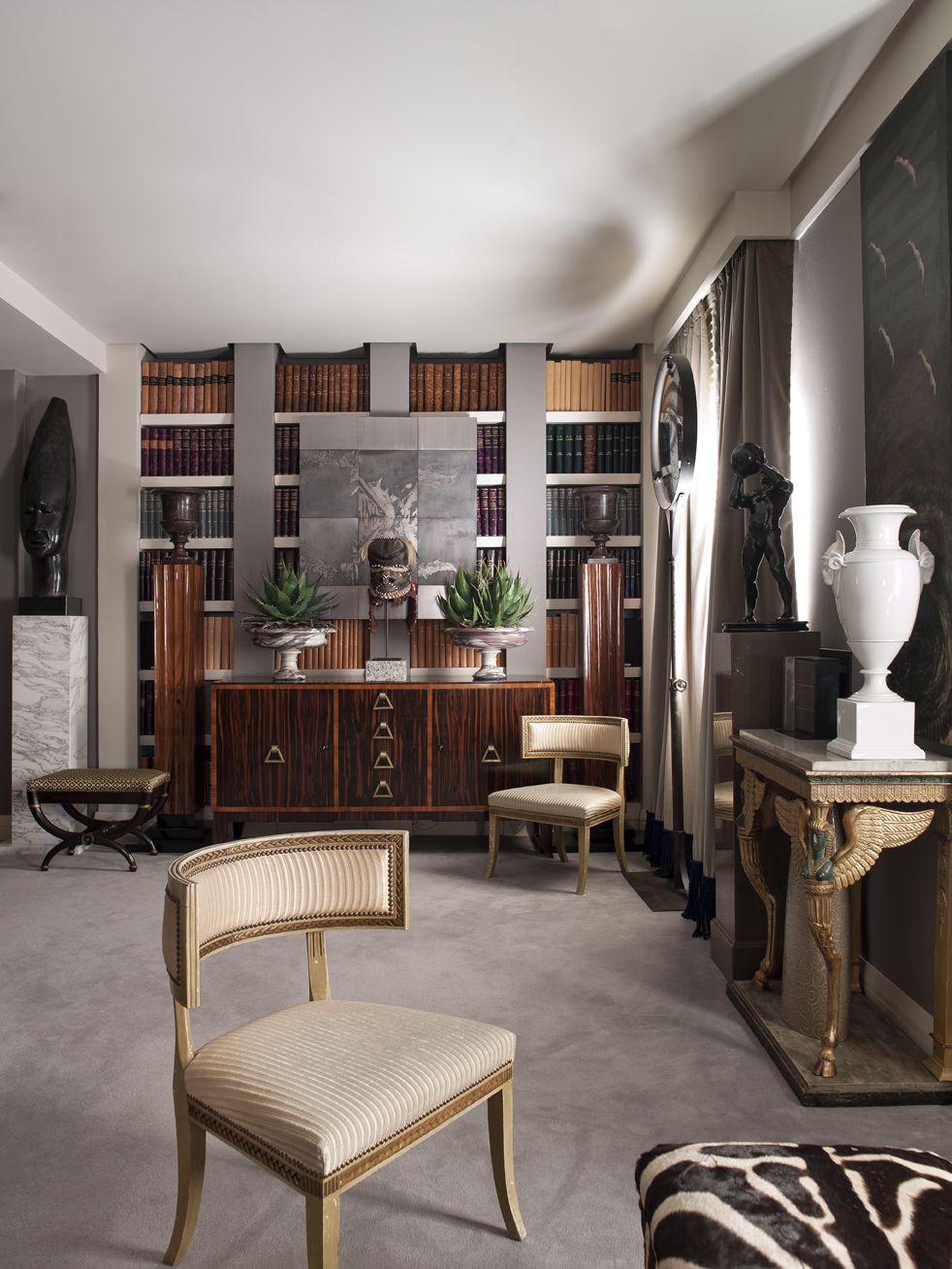 design project, luxury house, furniture, works of art, Neoclassicism, Luxury furniture, abstract art, tribal, contemporary, Ramon Garcia Jurado luxury house Classic Meets Modern: Luxury House by Ramon Garcia Jurado Classic Meets Modern Luxury House by Ramon Garcia Jurado 4