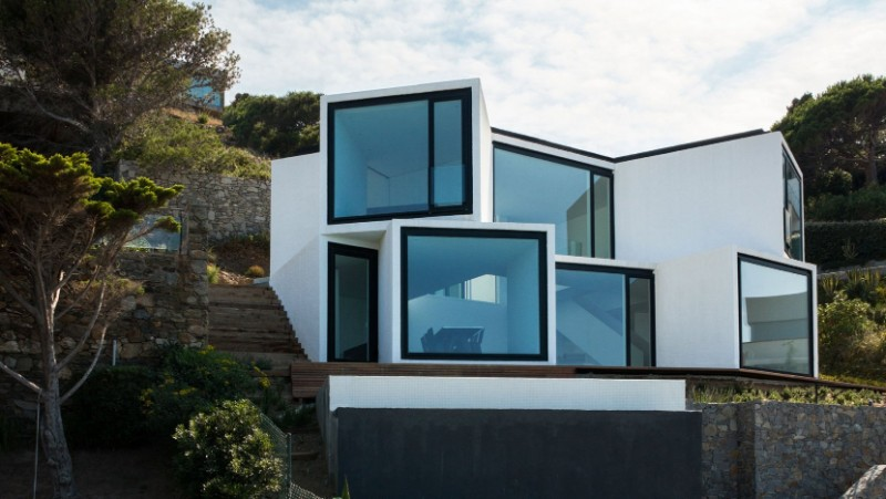 SUNFLOWER HOUSE, modern house, architecture studio, residence, design project, panoramic view, solar collector sunflower house Sunflower House by Cadaval & Solà-Morales Sunflower House by Cadaval Sol   Morales 12