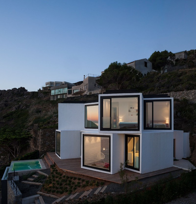 SUNFLOWER HOUSE, modern house, architecture studio, residence, design project, panoramic view, solar collector sunflower house Sunflower House by Cadaval & Solà-Morales Sunflower House by Cadaval Sol   Morales 4