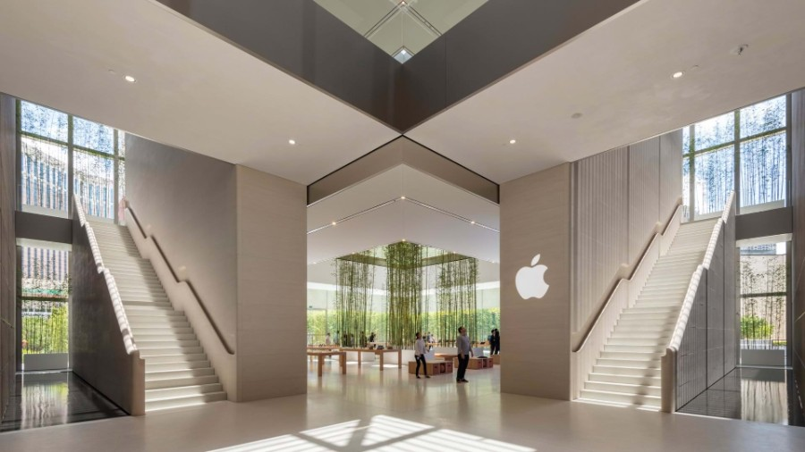 Apple, Foster + Partners, technology, entertainment, arts, timeless design, bamboo, Jonathan Ive, Angela Ahrendts, Apple store, interior design, design Foster + Partners Inside Apple Store Atrium in Macau by Foster + Partners Inside Apple Store Atrium in Macau by Foster Partners 3