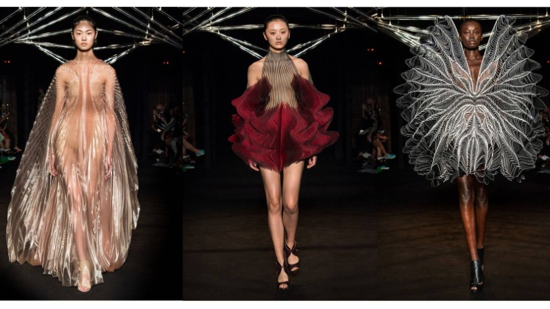 Iris Van Herpen Iris Van Herpen And Studio Drift Present Syntopia Collection At Paris Fashion Show  Iris Van Herpen And Studio Drift Present Syntopia Collection At Paris Fashion Show 6