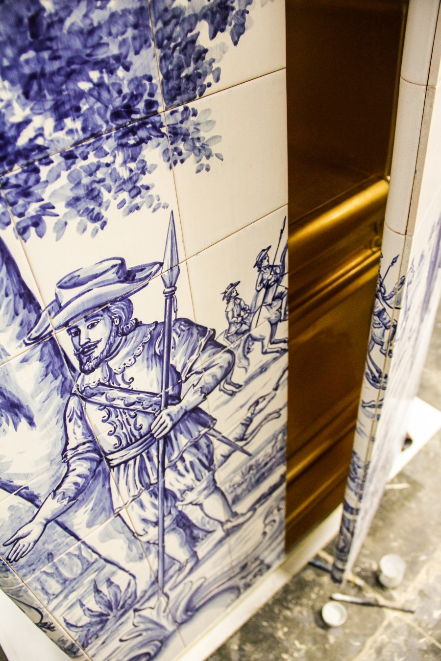 tiles The Art of Hand-Painted Tiles Behind Boca do Lobo's Luxury Furniture The Art of Hand Painted Tiles Behind Boca do Lobo   s Luxury Furniture 3