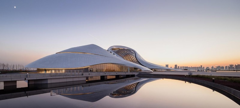 Harbin Opera House, MAD Architects, landmark, architectural building, white aluminum, glass wall, architecture, architectural design Harbin Opera House The Sculptural Design of the Harbin Opera House by MAD Architects  The Sculptural Design of the Harbin Opera House by MAD Architects 4