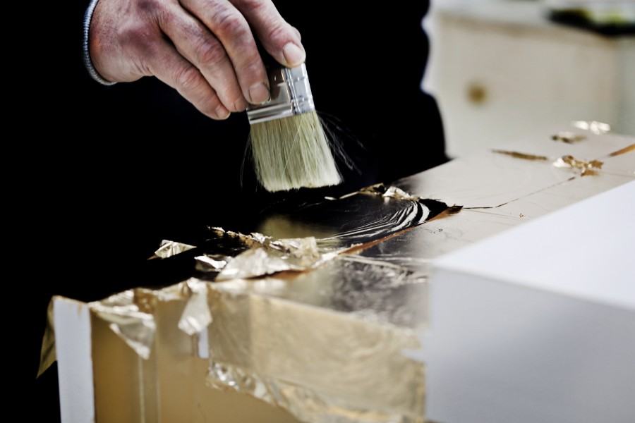 crafts, iconic arts, gold leaf ,gold, silver leaf, gloss varnish, gilding, water gilding, gold gilding, luxury furniture, gold leaf paint, gold leaf sheets Luxury Furniture The Art of Leaf Gilding Behind Boca do Lobo's Luxury Furniture behind the scenes boca do lobo 43