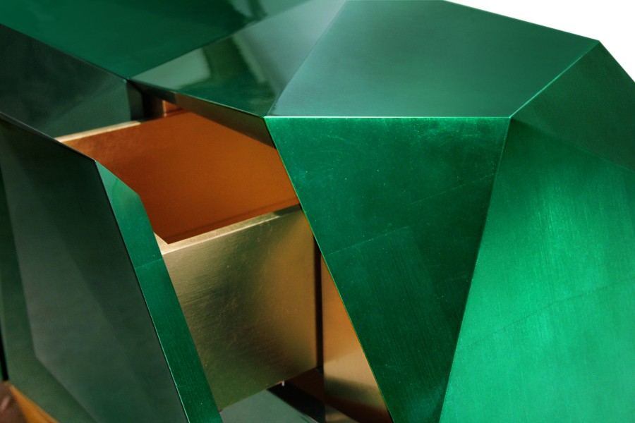 Luxury Furniture The Art of Leaf Gilding Behind Boca do Lobo's Luxury Furniture diamond emerald 04