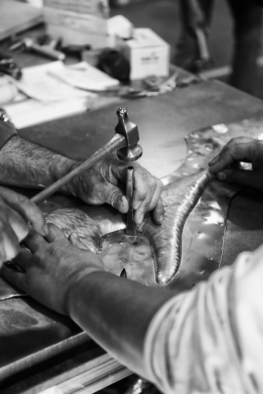 metalworking, metal work, delicatejewelry, design, casting metal, casting, metal, sand casting, welding, luxury furniture, piece of art, craftsmanship metal work The Art of Metalworking Behind Boca do Lobo's Luxury Furniture behind the scenes boca do lobo 05