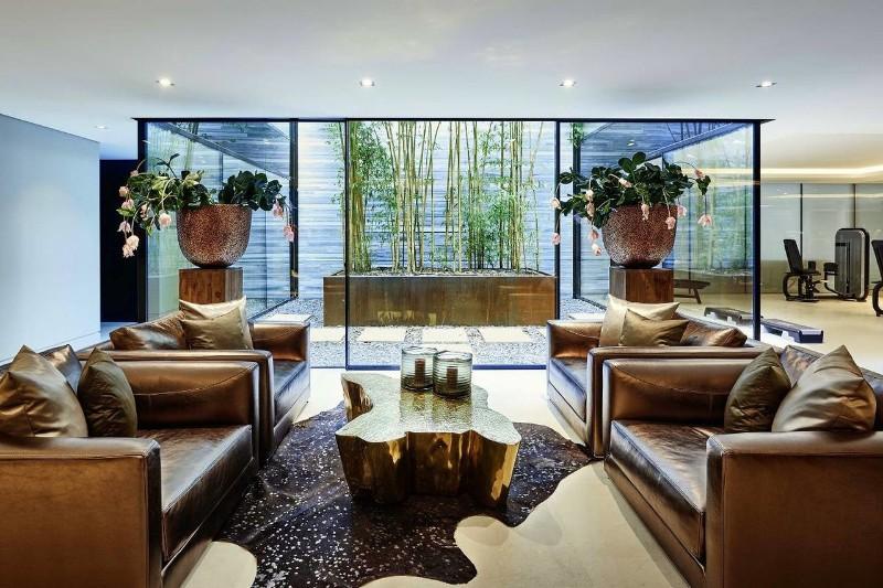 interior designer Top 10 Best of Interior Designer Eric Kuster on Instagram Eric Kuster Lakeside Villa eden center table architecture design projects boca dolobo